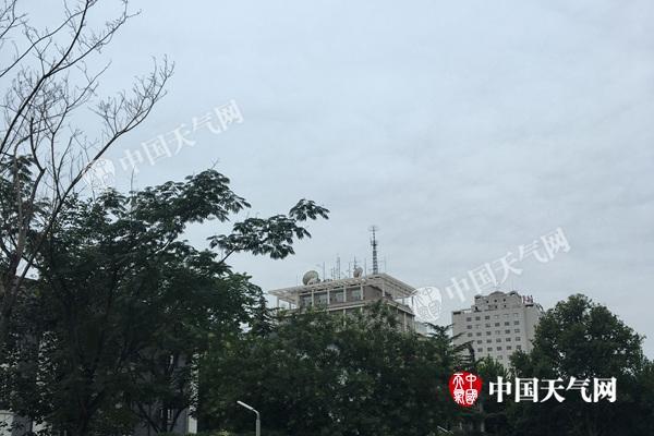 大暑节气北京清凉开场 周末仅28℃出行需防雷雨