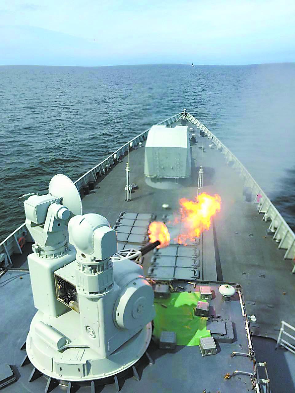 """俄军苏-27多波次""""袭击""""合肥舰 均被成功拦截"""