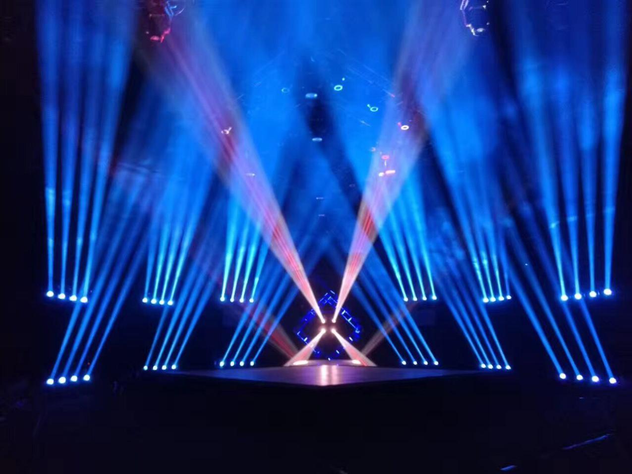 歌手来了 炫彩舞美灯光送清凉