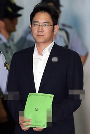三星太子李在镕或被判12年 泪洒法庭:都是我的错