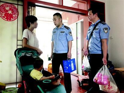 男子偷裙子被抓 警察得知真相后上门捐款