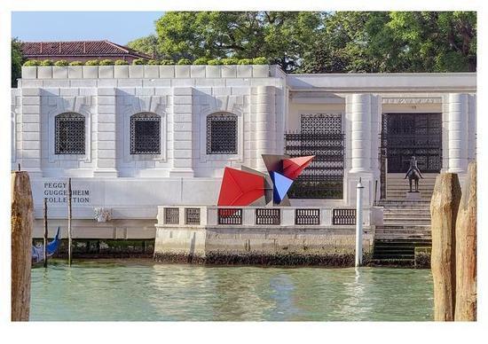 佩吉·古根海姆Peggy Guggenheim - 在威尼斯大运河旁的佩姬·古根海姆(Peggy Guggenheim)美术馆外景,摄影: Andrea Sarti/CAST1466。