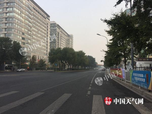 国庆假期首日北京晴朗利出行 明天降雨又降温