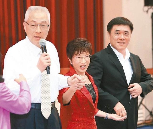 港媒:十九大后台湾蓝绿政党面临空洞化危机