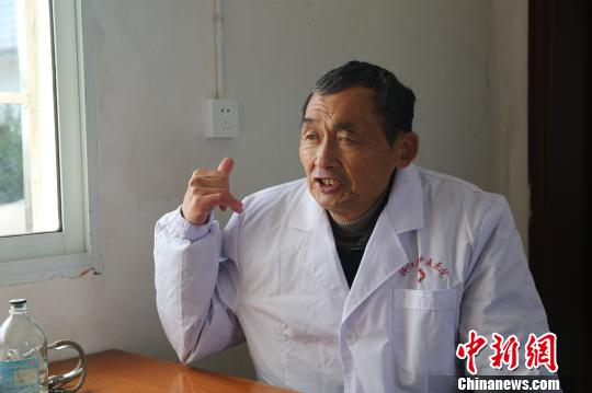 hubei cancer village doctor to rescue a line 7 years to see the doctor more than 40000 people