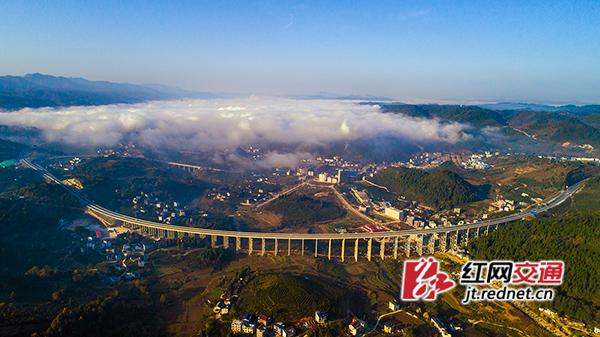 永吉高速公路11月30日全线建成通车