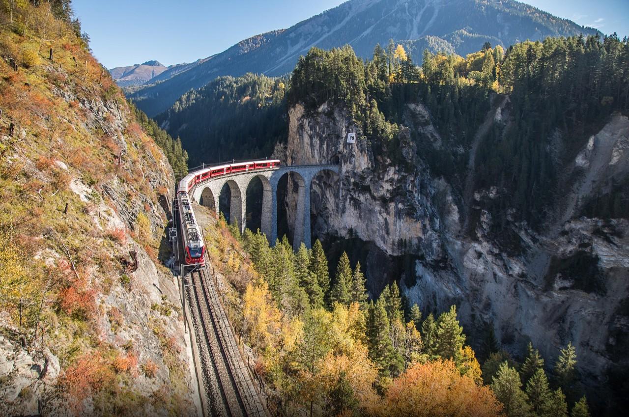 这些绝美的火车带你看遍世间风景 美到不忍眨眼!