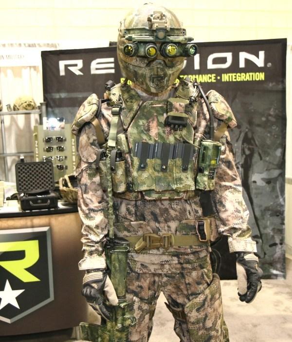 美陆军2018年将换装四大新装备 含新钢铁侠盔甲