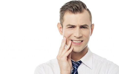 缓解口腔溃疡的方法吃什么能缓解口腔溃疡预防口腔溃疡的方法