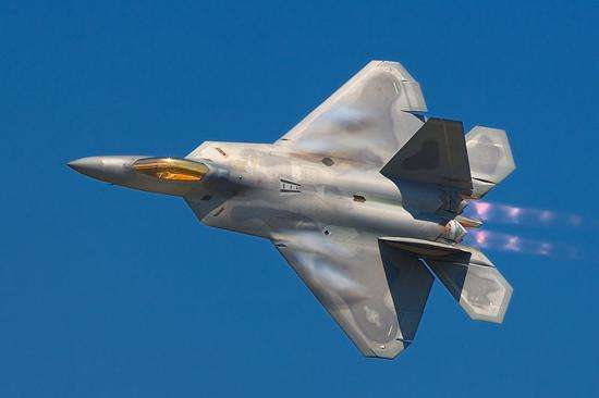 美媒:新型交管系统或使F-22和F-35失隐形能力