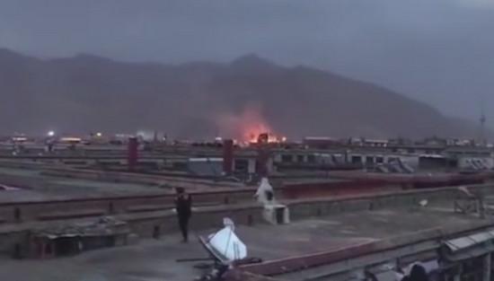 拉萨大昭寺局部发生火灾,火灾已迅速扑灭