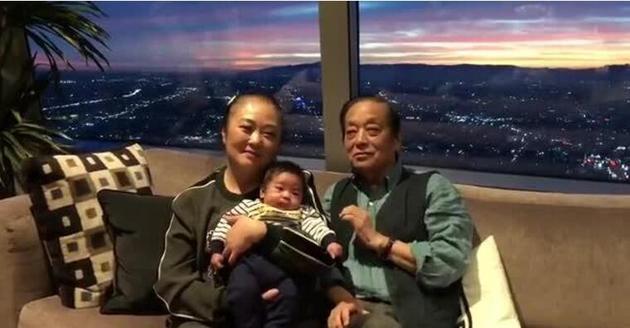 """82岁""""福娃之父""""韩美林得子:没想到还能有个儿子"""