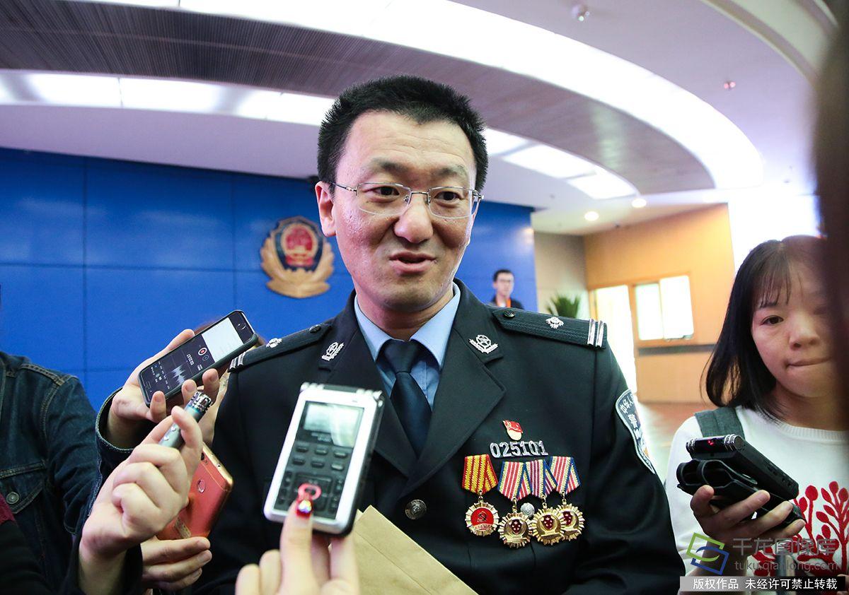 外事民警胡辛:我们的样子,就是中国的样子