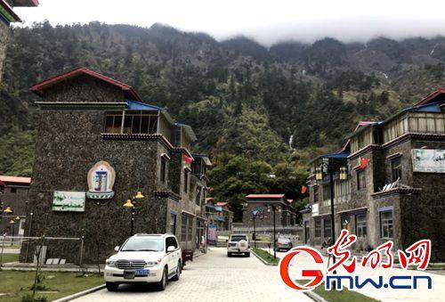 【新时代・美丽幸福新边疆】网媒记者西藏山南行:记录雪域变迁,描绘边疆新颜