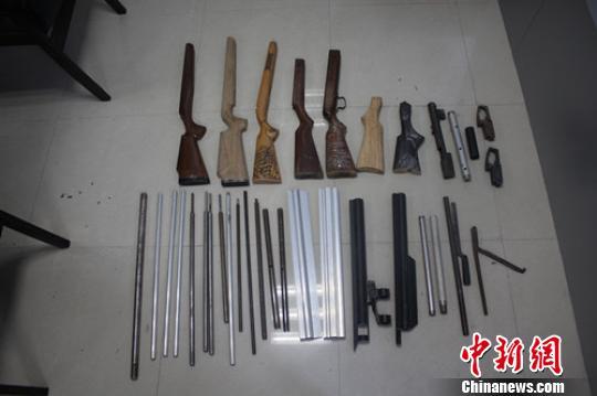 广东南雄警方破获网络制贩枪弹案抓获7名嫌犯