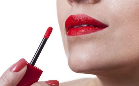 口红会对身体造成伤害吃掉口红对身体有哪些影响口红的主要成分是什么