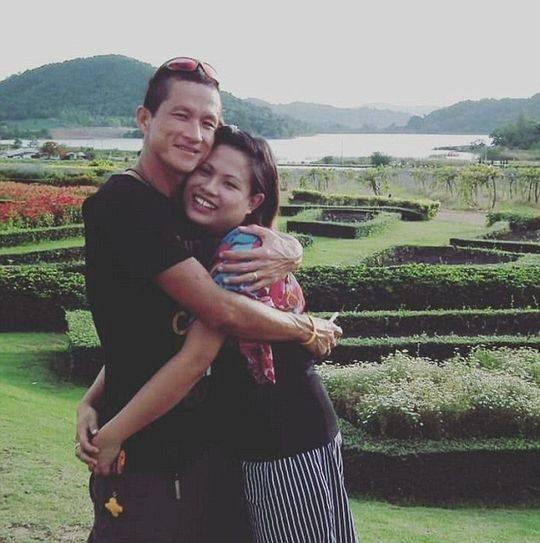 泰洞穴救援潜水员牺牲妻发合照悼念:孩子不要自责