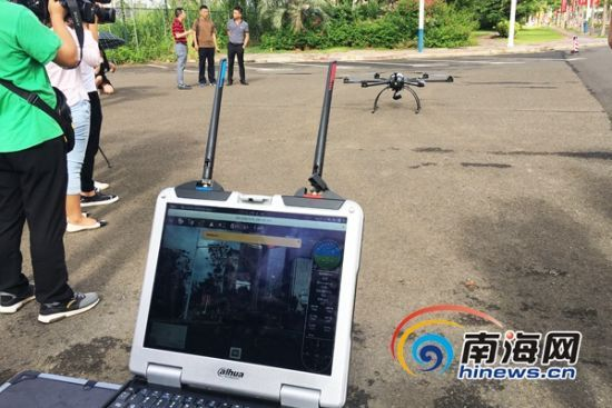 """无人机""""交警队""""首次起飞进行现场演练。南海网记者陈丽娜摄"""