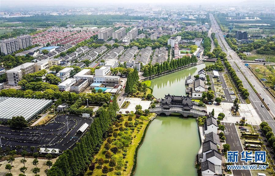 (新华全媒头条·在习近平新时代中国特色社会主义思想指引下——新时代新作为新篇章·乡村振兴战略·图文互动)(10)乡村振兴战略开局有力农业农村发展亮点频现