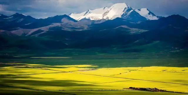 没有小镇和水乡,中国西北的另样美