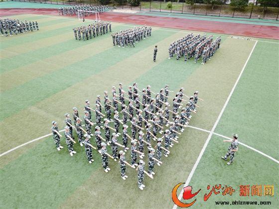 池州:高中新生军训进行时图片真实丁丁男生高中图片