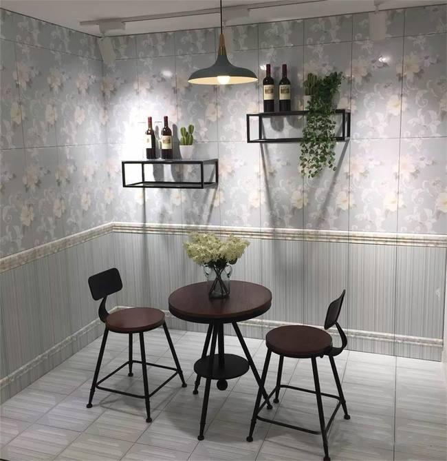 大商铺做现代极简家居陶瓷馆,黑白灰三色搭建不一样的感觉