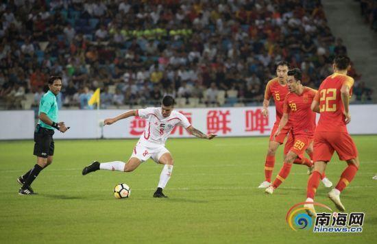 国足vs巴勒斯坦精彩瞬间。南海网记者刘洋摄