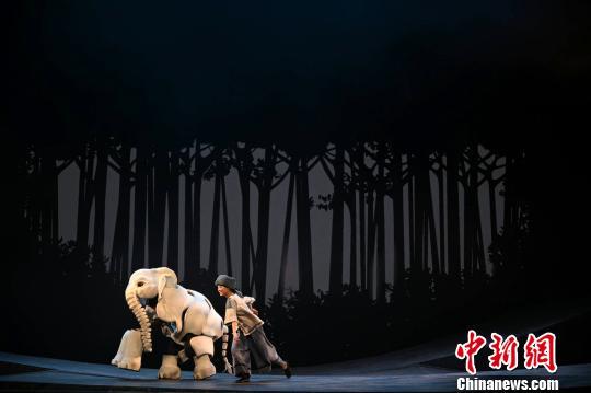 《最后一头战象》登台国家大剧院凌风摄