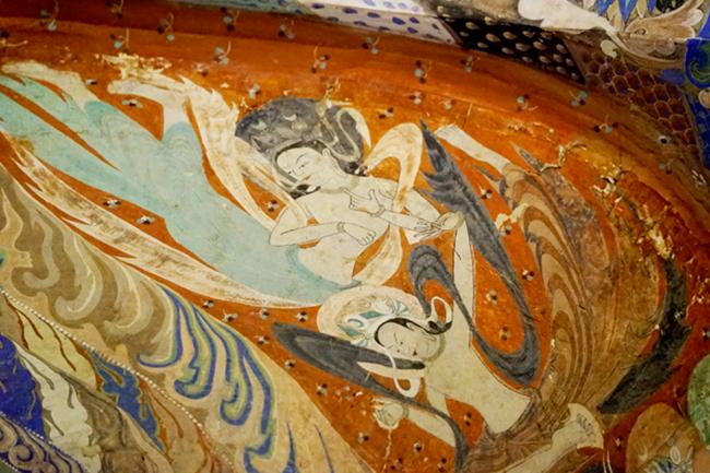 在讲解员王燕看来,壁画保护和艺术的传播是一对甜蜜的难题。