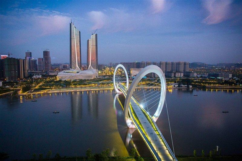 上海靠谱的留学中介机构排名推荐,如何办理英国留学呢?