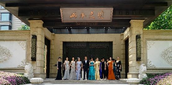《王一时尚先锋》首场舞台秀,展现当代中国中老年女性风采