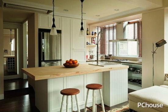 客廳與廚房隔斷裝修效果圖