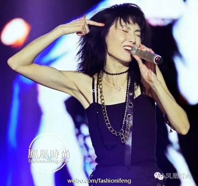 张曼玉发新曲还拍了护士MV?52岁还追梦的女和做爱性感性感少女鹿图片