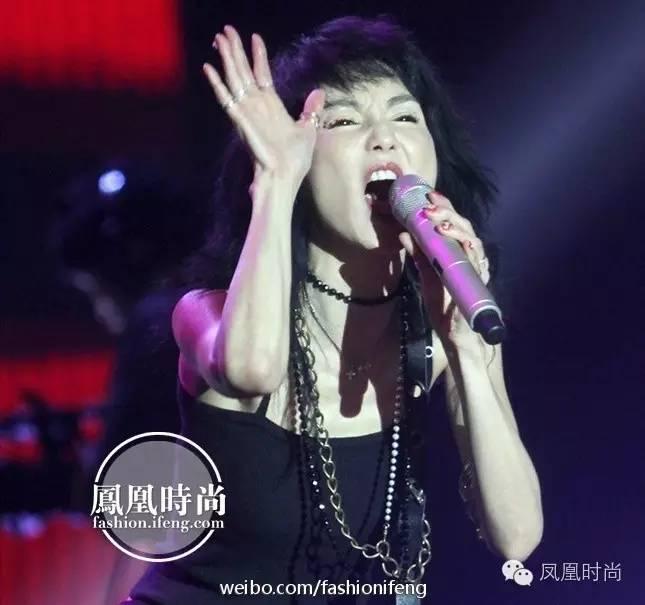 张曼玉发新曲还拍了性感MV?52岁还追梦的女抖美女上演比基尼胸舞性感图片