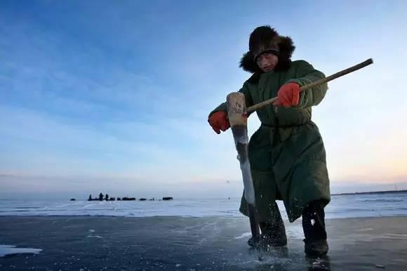 看过查干湖的远古冬捕 才知道什么叫年年有鱼