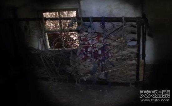 男子狩猎发现一个神秘山洞:进去之后吓坏了