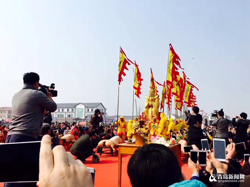 500年的民俗盛宴揭秘北方最大祭海节