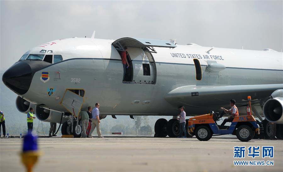 美空军飞机迫降印尼亚齐