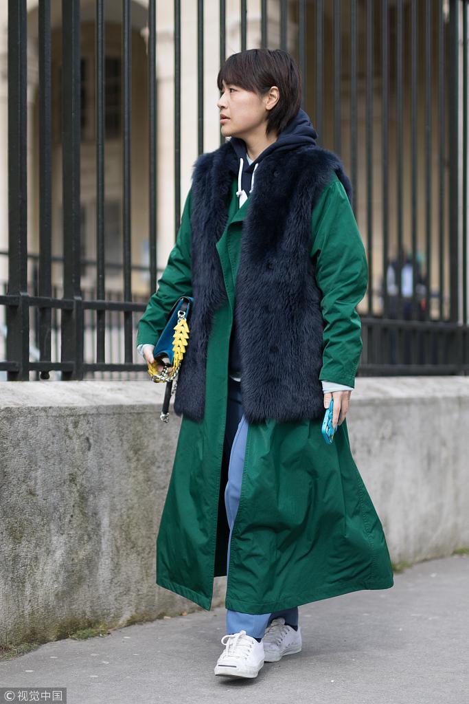 皮草马甲几月份穿_皮草马甲才是时髦精今年冬天最后的坚持_凤凰网时尚_凤凰网