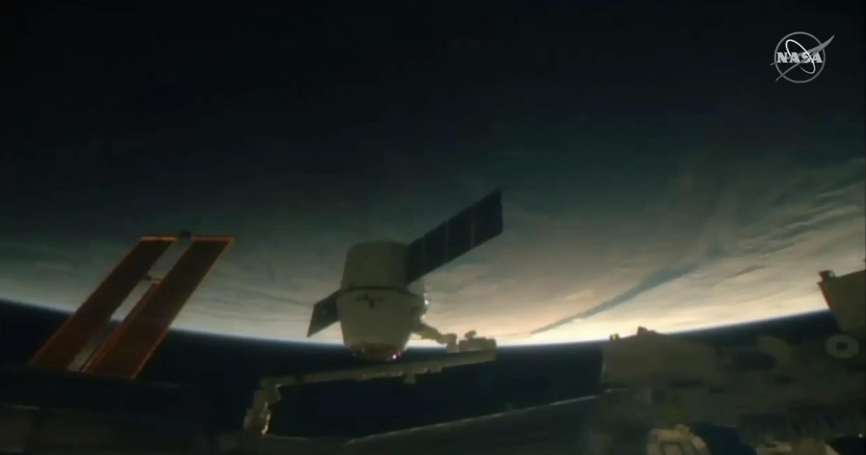 国际空间站航天员也能吃上圣诞大餐 这要感谢SpaceX