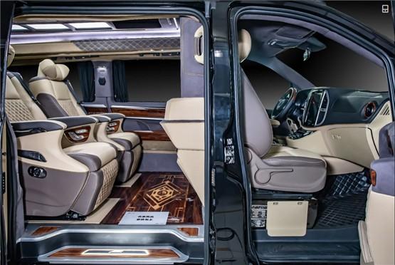 杭州奔驰威霆改装商务车订制案例价格 高经理 :19967484301