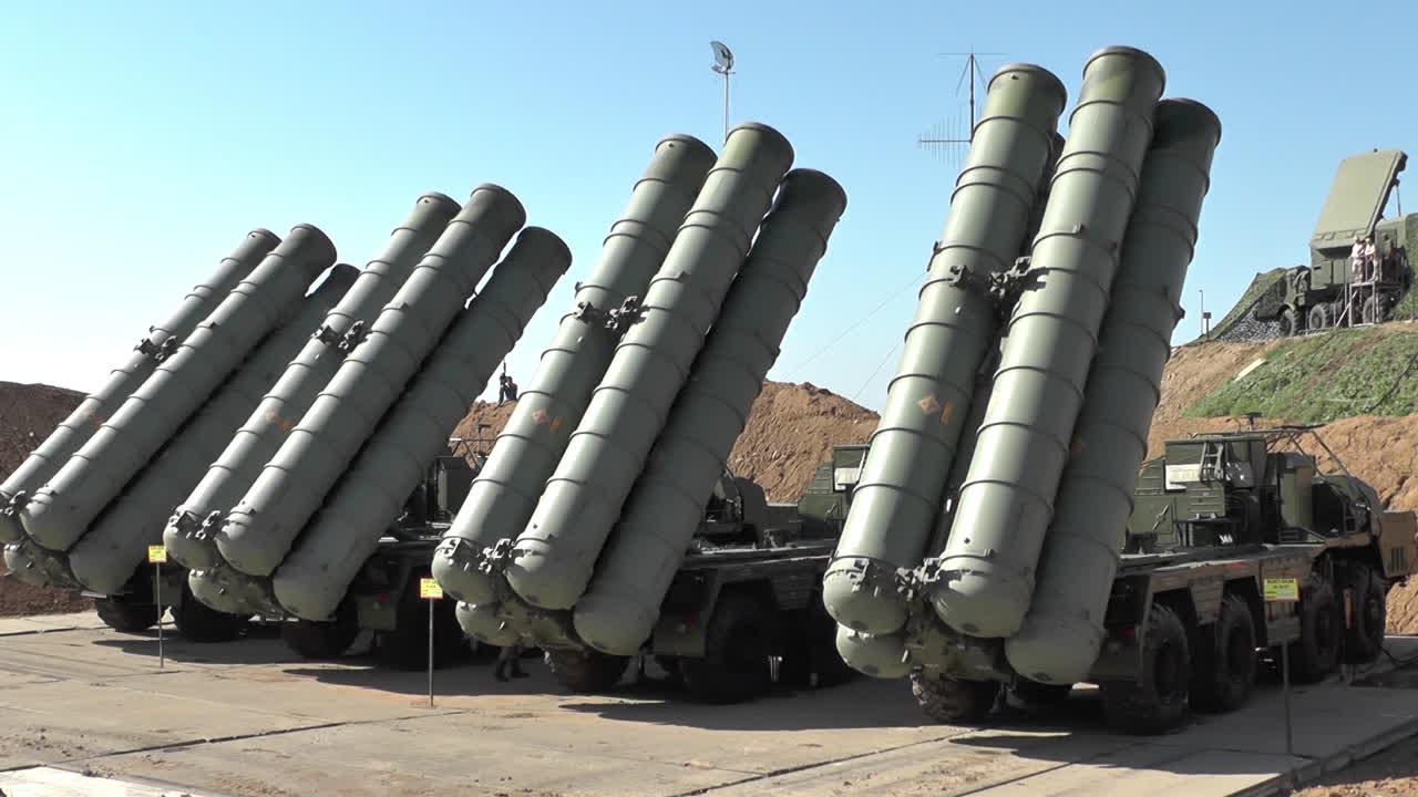以色列秀无人机炸S400雷达 俄回应:百分百将你击落