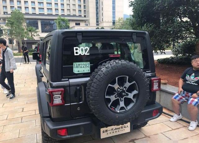 黑色Jeep牧马人罗宾汉到店,帅到无敌,售54万,恨不得贷款买一台