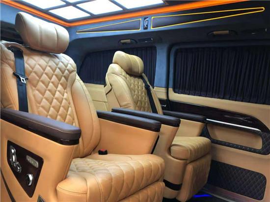 奔驰V260L商务车每台车都有一个精彩的故事