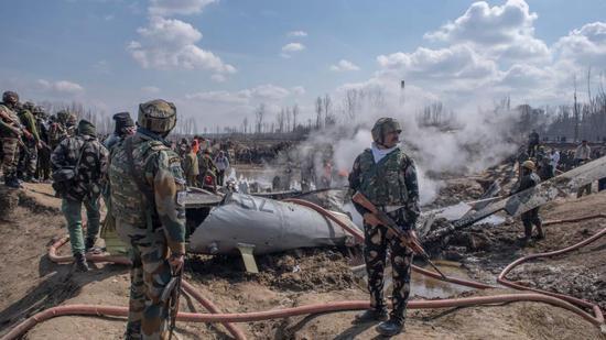 被击落的印军米-17直升机