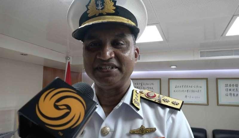 孟海军副参谋长参观中国军舰:访问促合作