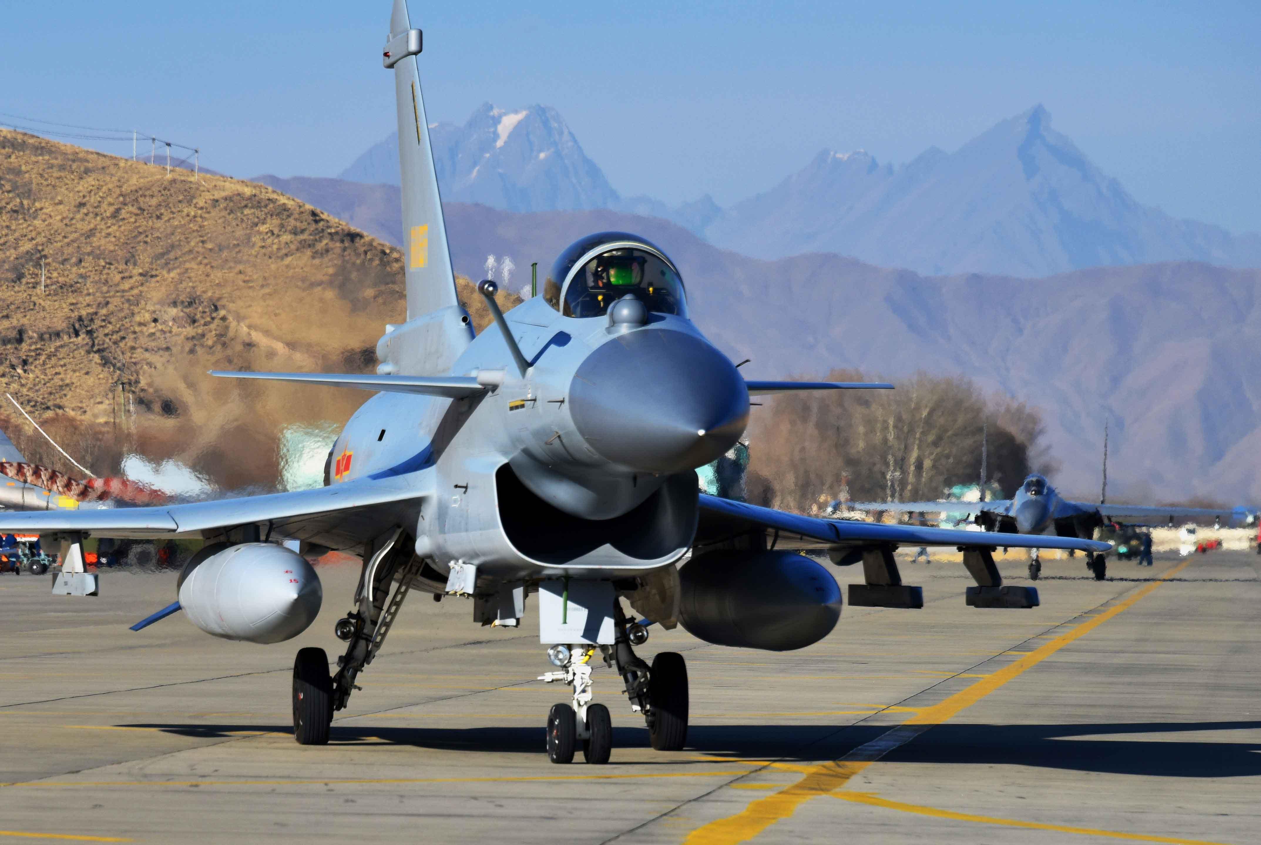 军事资讯_准备武统台湾?中国主力战机正在进行针对性训练_凤凰军事