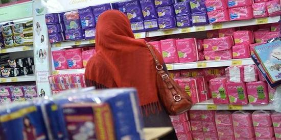 印度取消卫生巾税 女议员:行动太迟缓