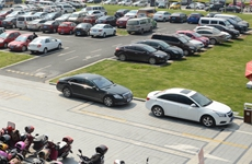 西安市公共占道停车位在春节假期将免收停车费