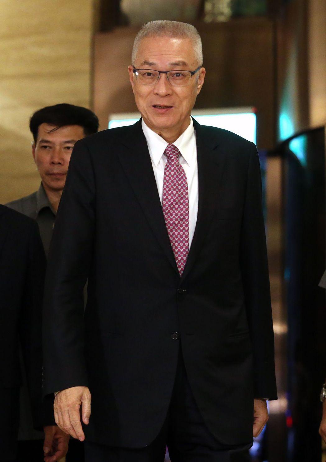 国民党六位主席齐聚首出席餐会并为吴伯雄庆生